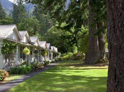 Singer Tavern Cottages at Lake Crescent Lodge, Olympic National Park.